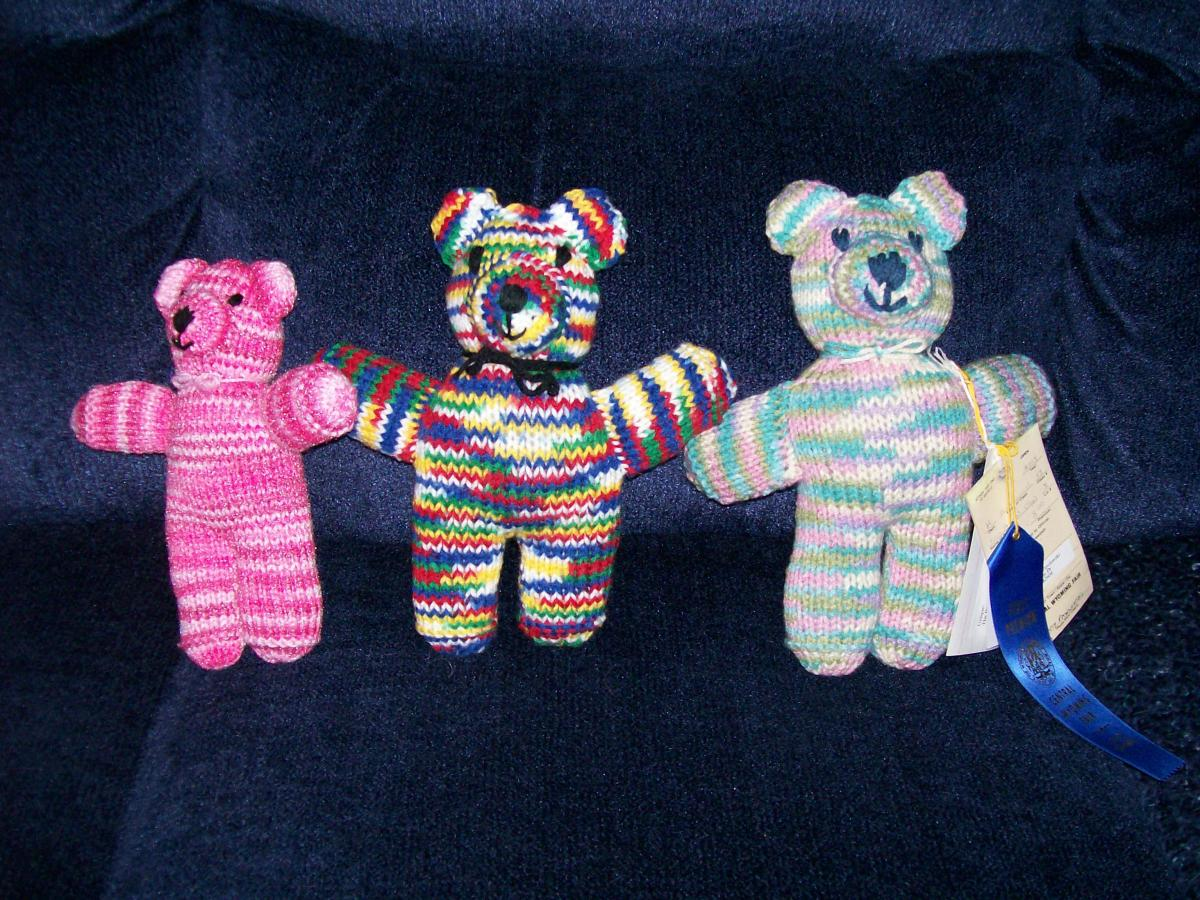 Colorful knit bears for babies...and one even won a blue ribbon at the fair.