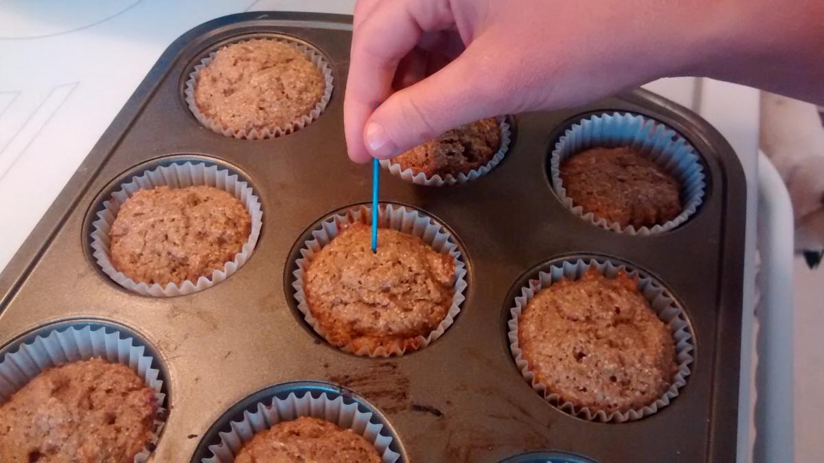 healthy-whole-wheat-banana-muffins