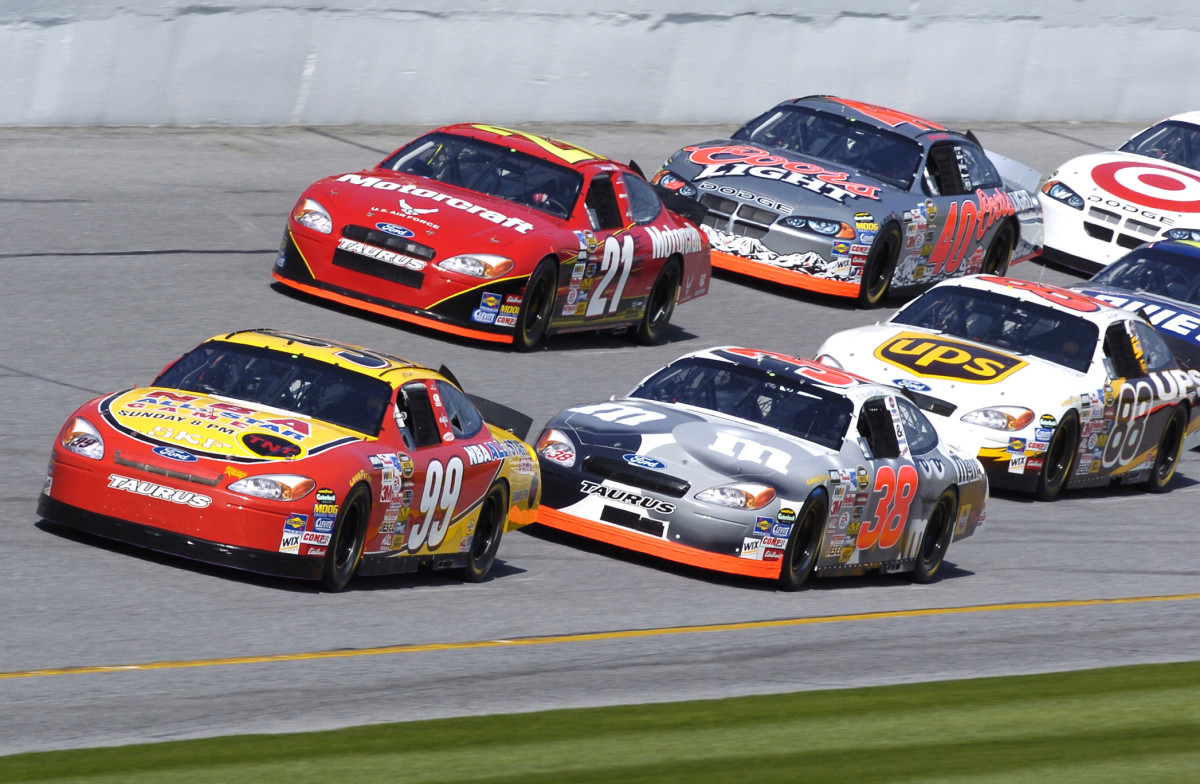 What are Restrictor Plate Races at NASCAR and Which Tracks Require Them