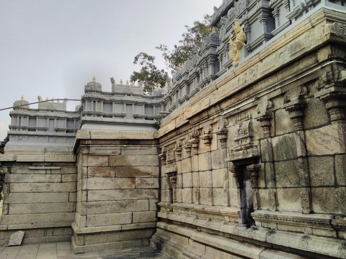 Tirupati town is rich with temples. Some are very close to the Railway station.