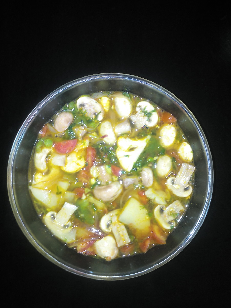 Mixed mushroom vegetable curry