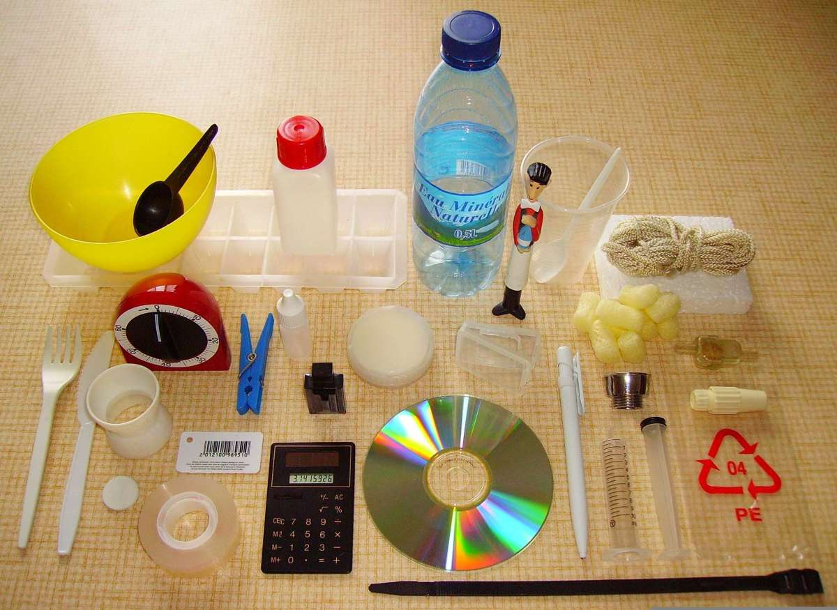 Some usual objects made of various kinds of plastic