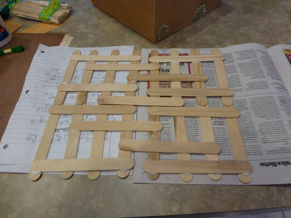 We glued some popsicle sticks together for the schach (roof). What a pretty pattern!