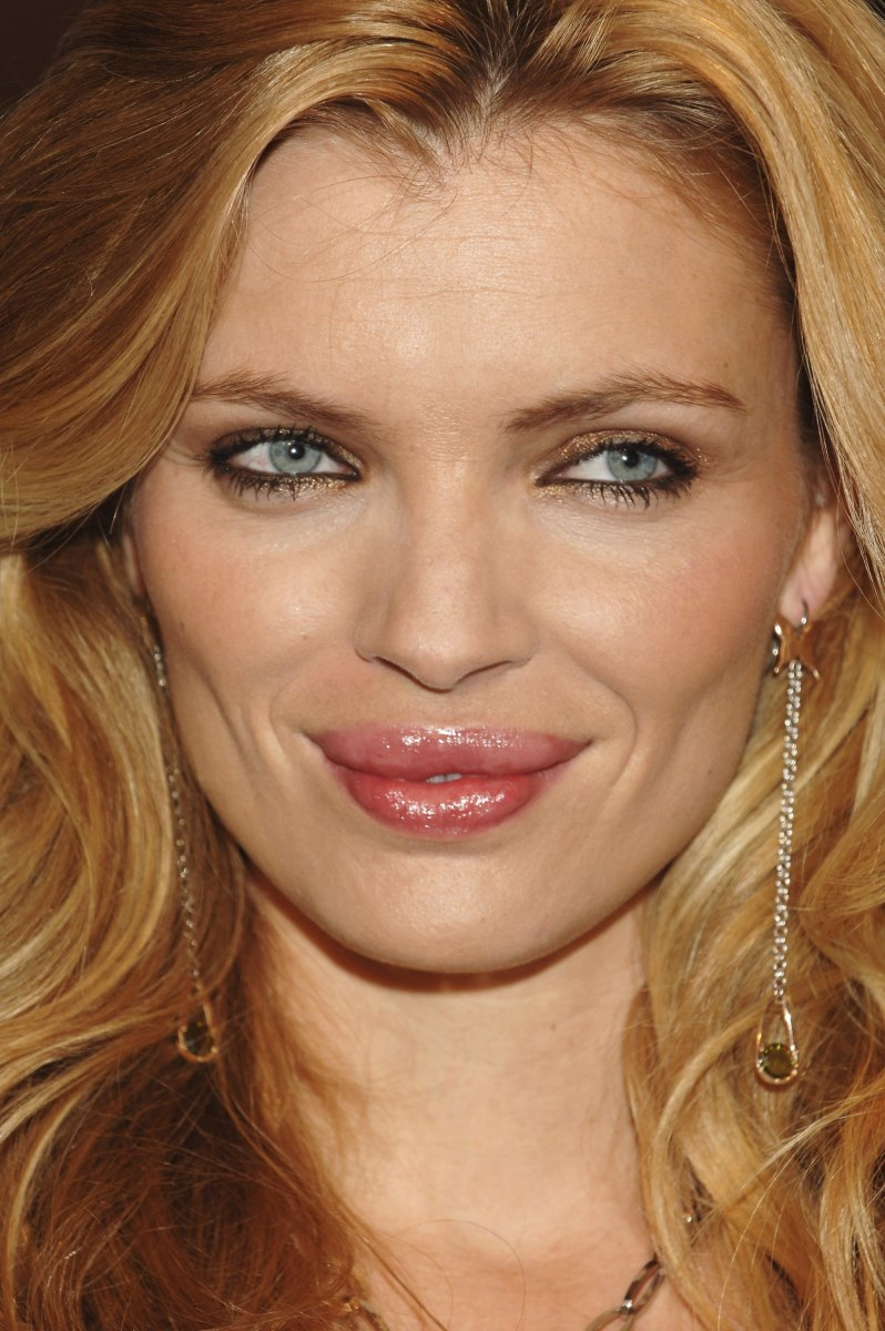esther-canadas-beautiful-spanish-actress-and-supermodel
