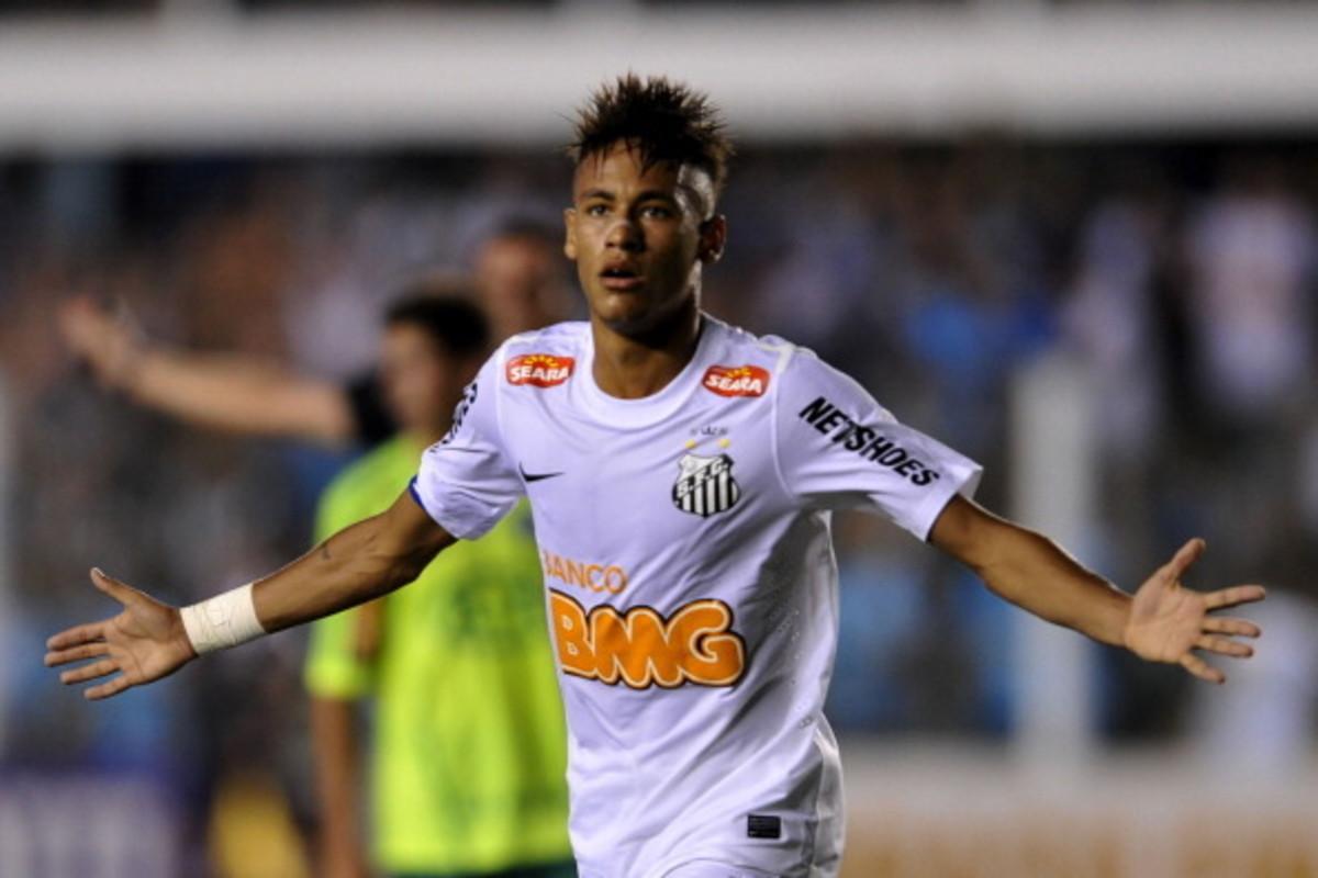 Neymar celebrating a goal at santos