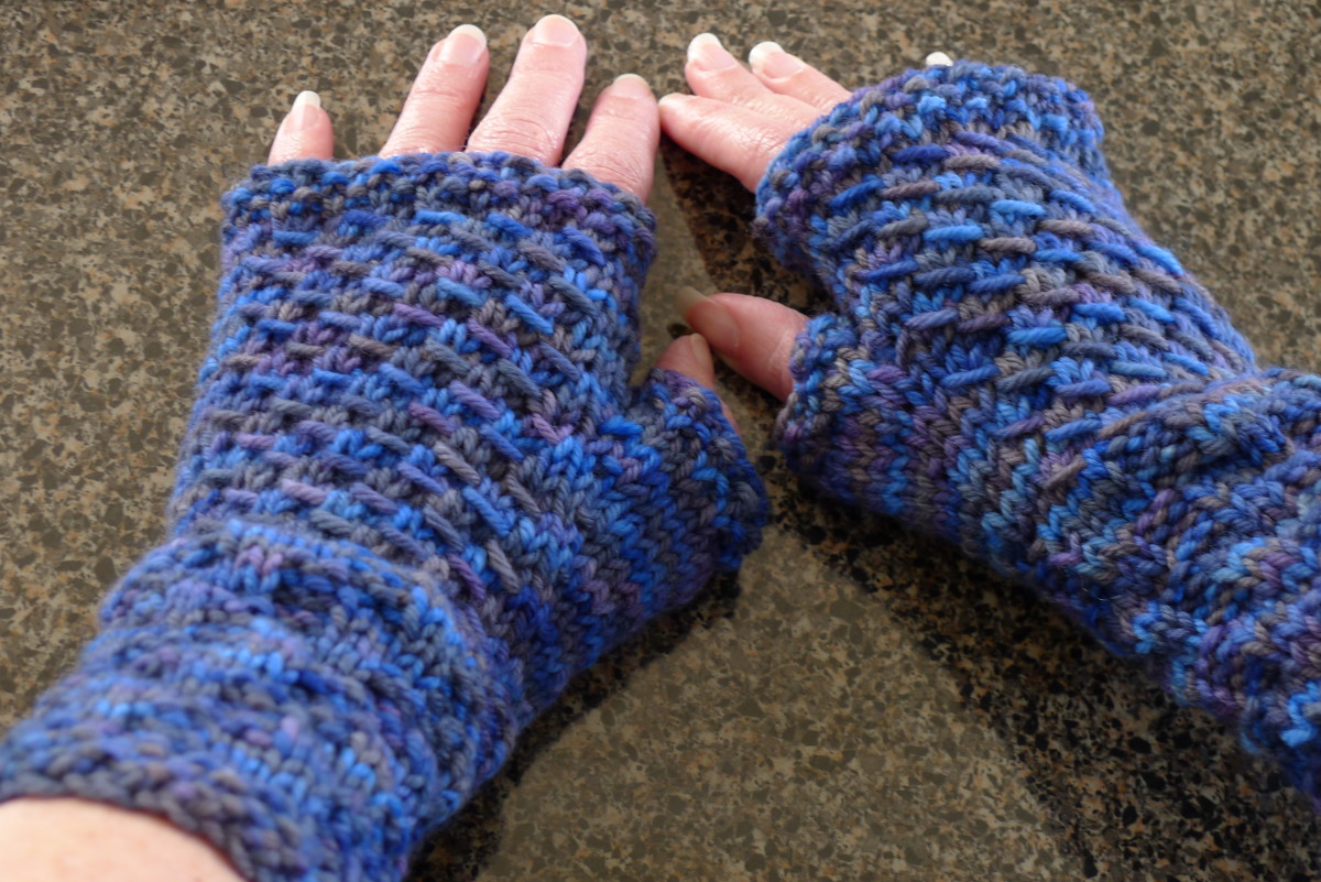 fingerless gloves or mitts  (c) purl3agony 2012