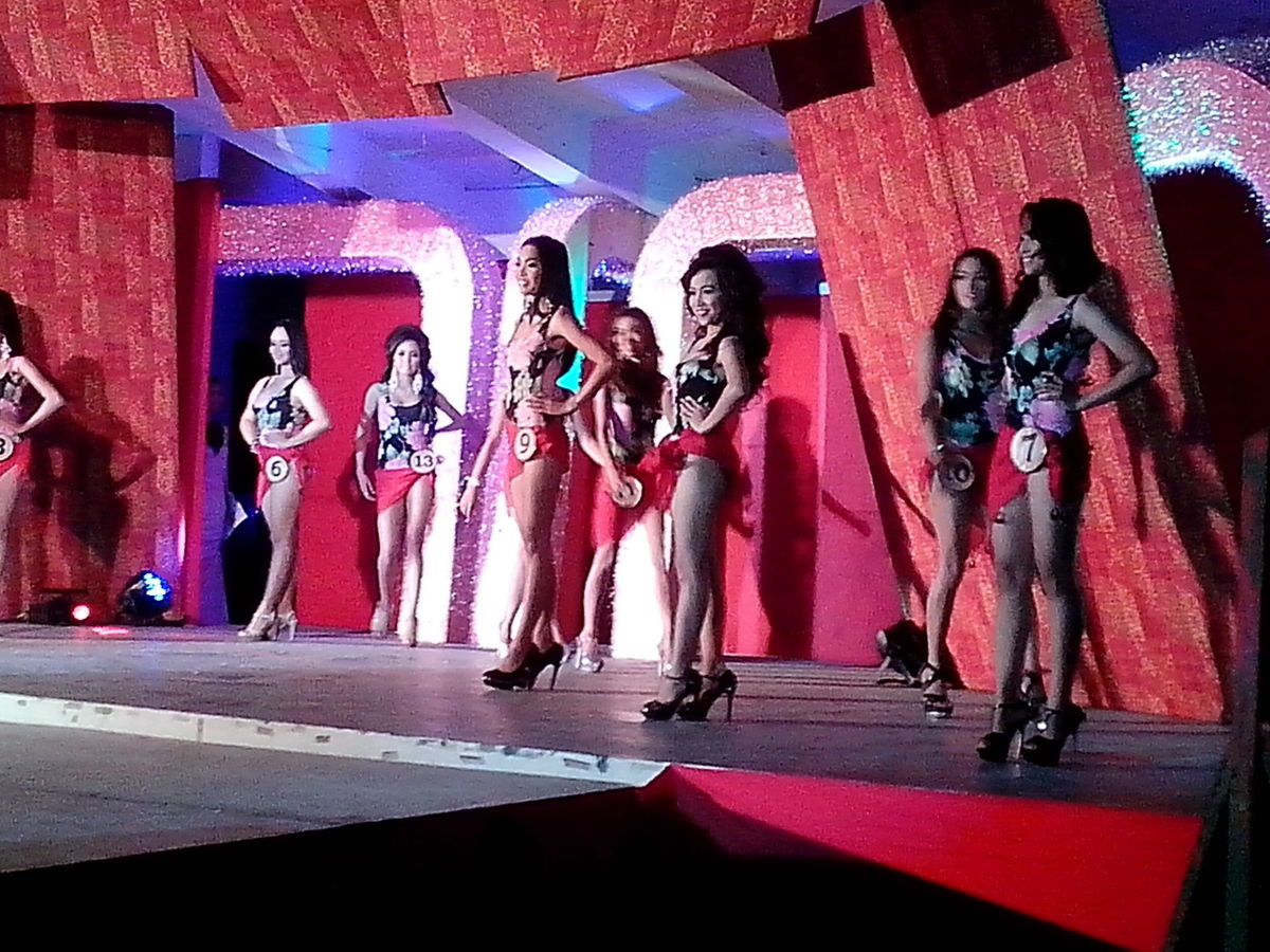 Miss Buswak 2015 candidates in their swimwear (Photo Source: Ireno A. Alcala)