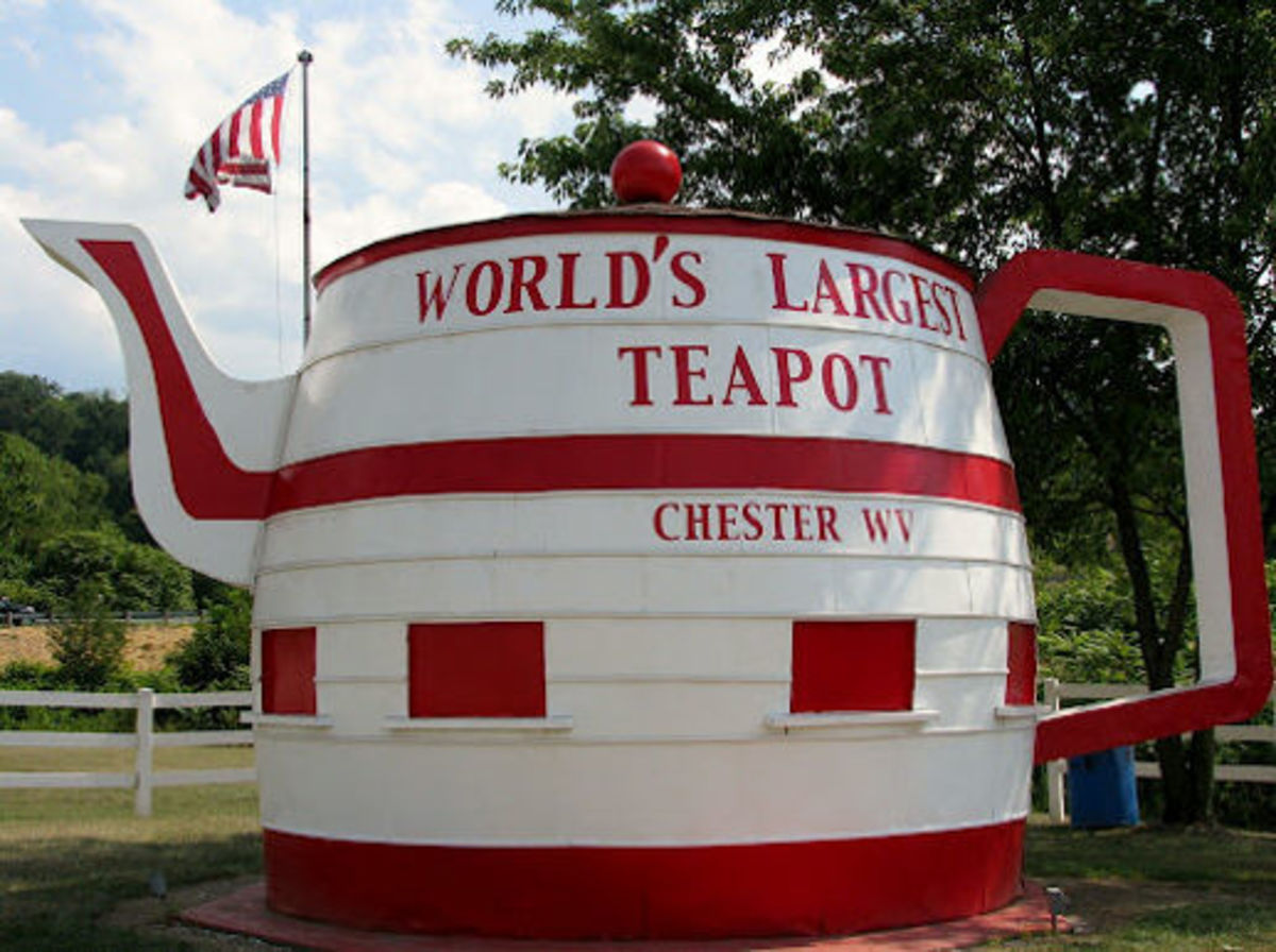 The world's largest teapot is now being protected by the citizens of Chester, West Virginia, USA.