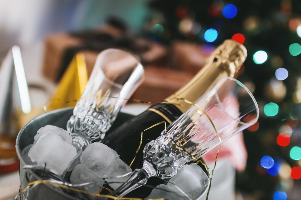 The official drink of celebration, sparkling wine is an excellent choice for holiday wine gifting.