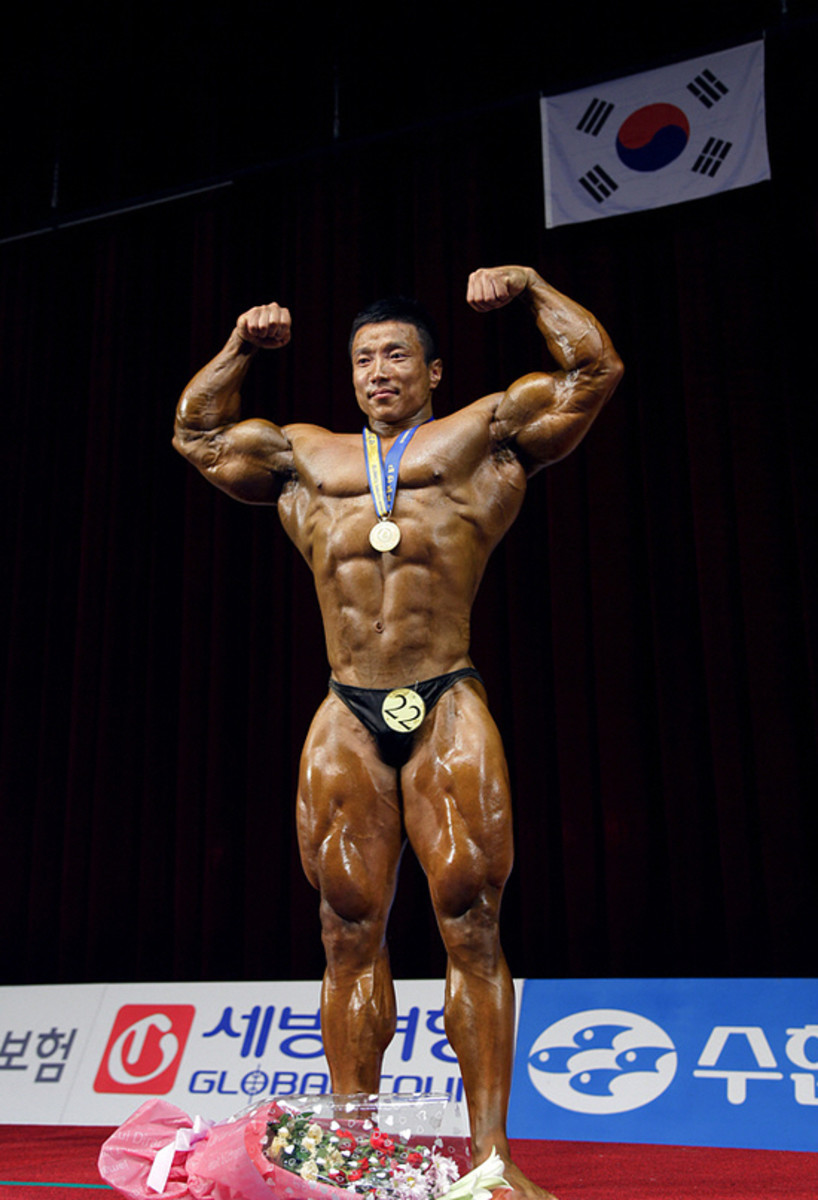 Kang Kyung Won (강경원) at the National Spring Sports Festival in 2010, his 12th consecutive first place win in the annual bodybuilding competition