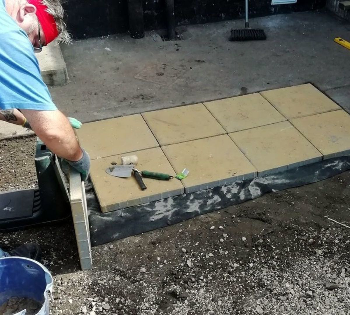 How to lay a patio in the garden