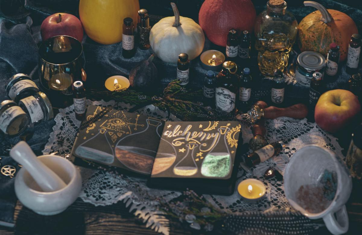 Witchcraft Correspondences: What They Are and Why You Need Them for Your Spells