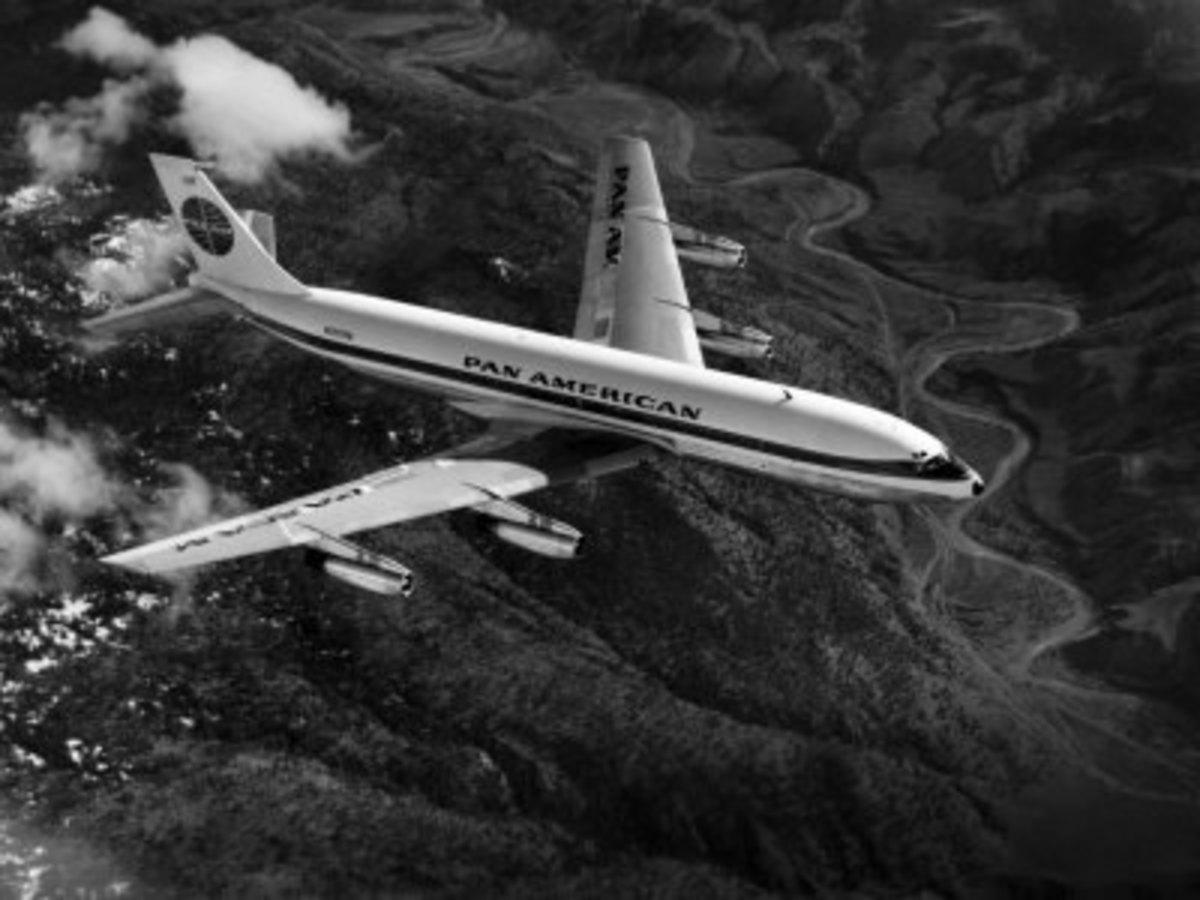 Pan American Boeing 707, 1955