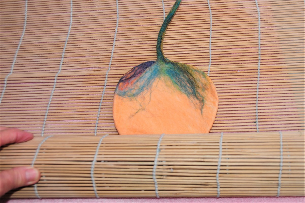 how-to-make-wet-felted-pumpkins-for-halloween