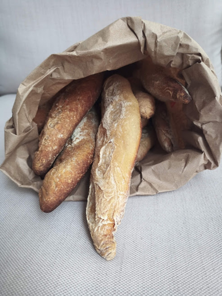 Homemade Crispy French-Style Baguettes