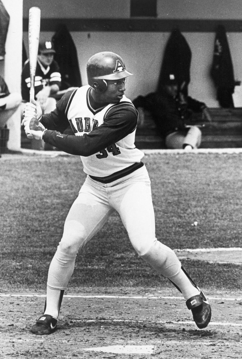 was-bo-jackson-a-better-football-or-baseball-player