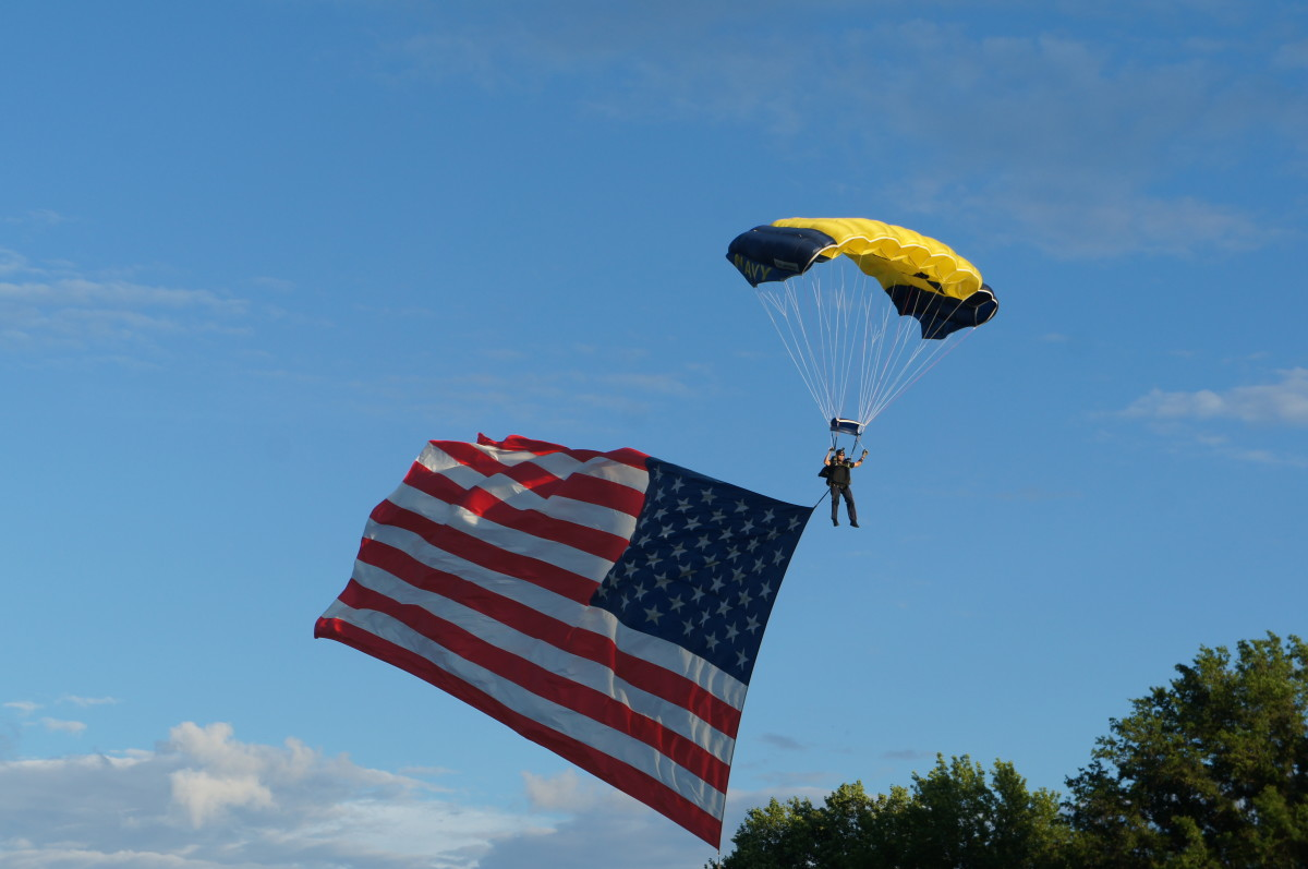 During NASS 2015, candidates had the opportunity to see a jump by USNavy SEALs Leapfrogs.