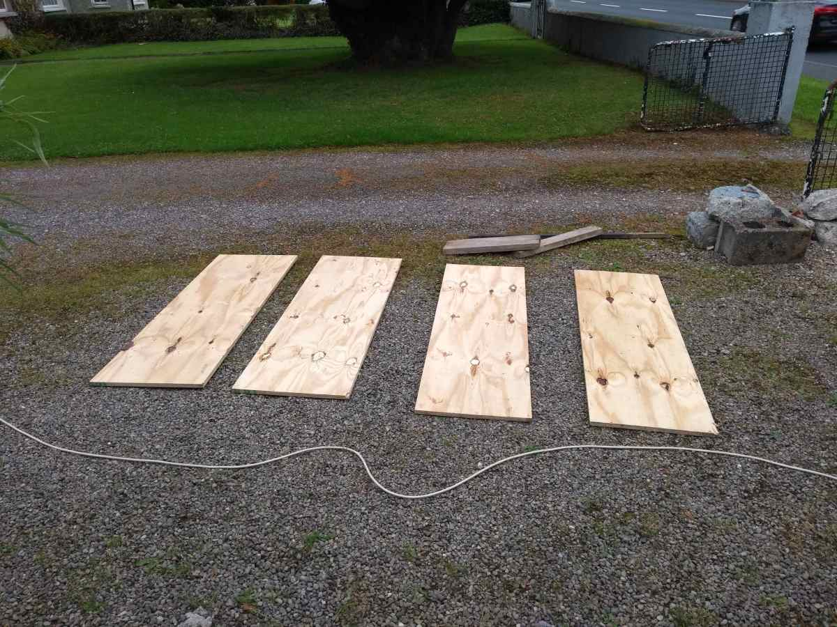 Side panels for the formwork box.