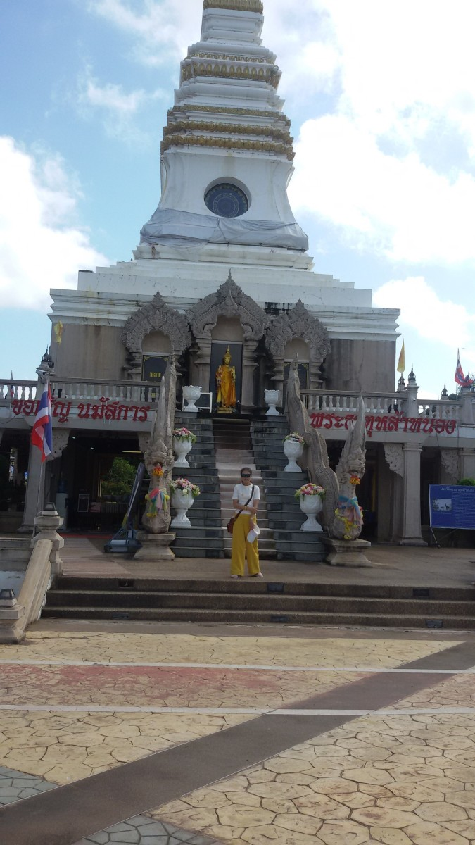 The Phra That La Nong Chedi in Nong Khai (Taken in September 2019)