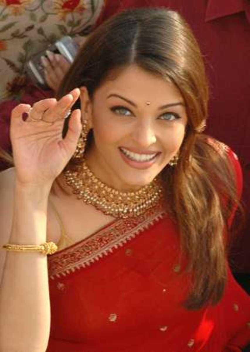 AISHWARYA RAI - Bollywood actress: into the hands of Miss World 1994! 82972_f520