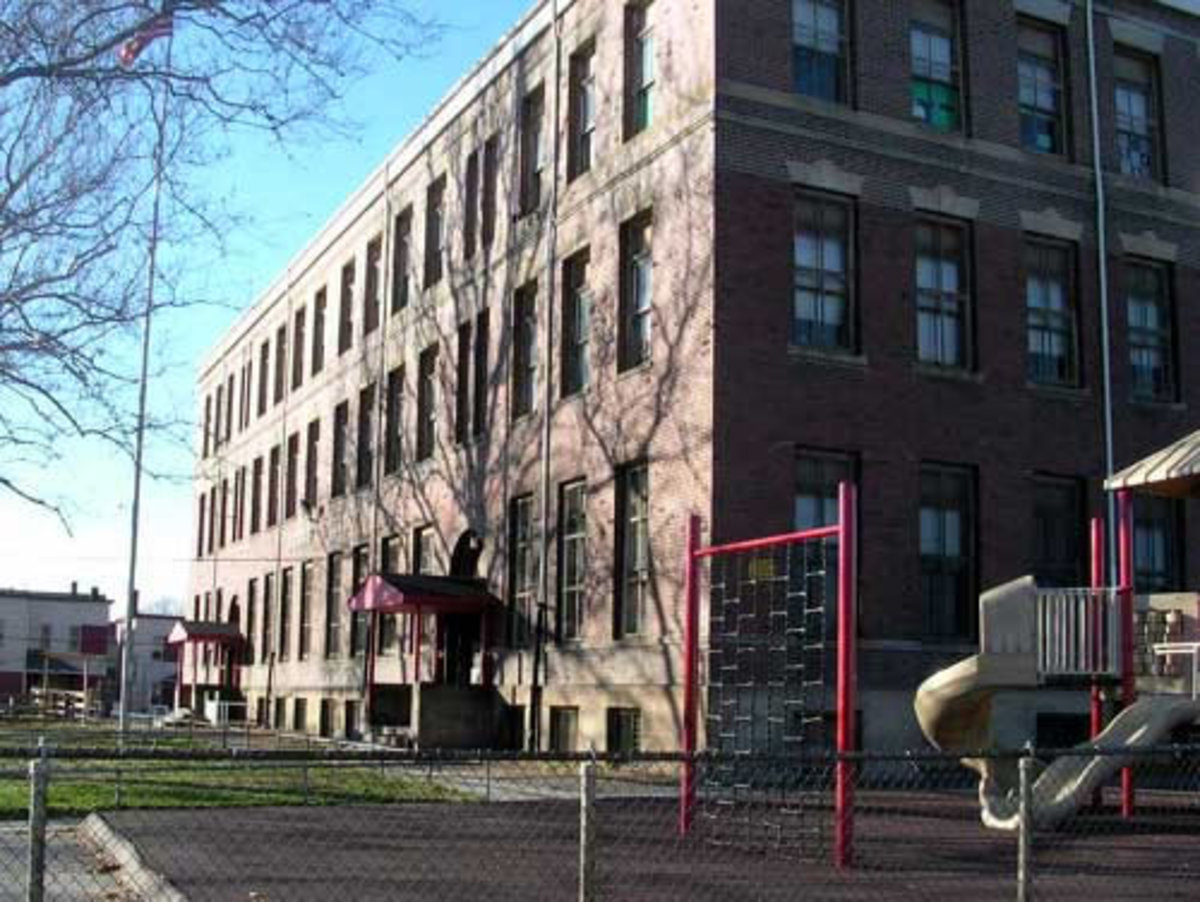 Mound Elementary school, located close to Mittal Steel in cleveland, was named in the nation's top percentile for dangerous air pollution