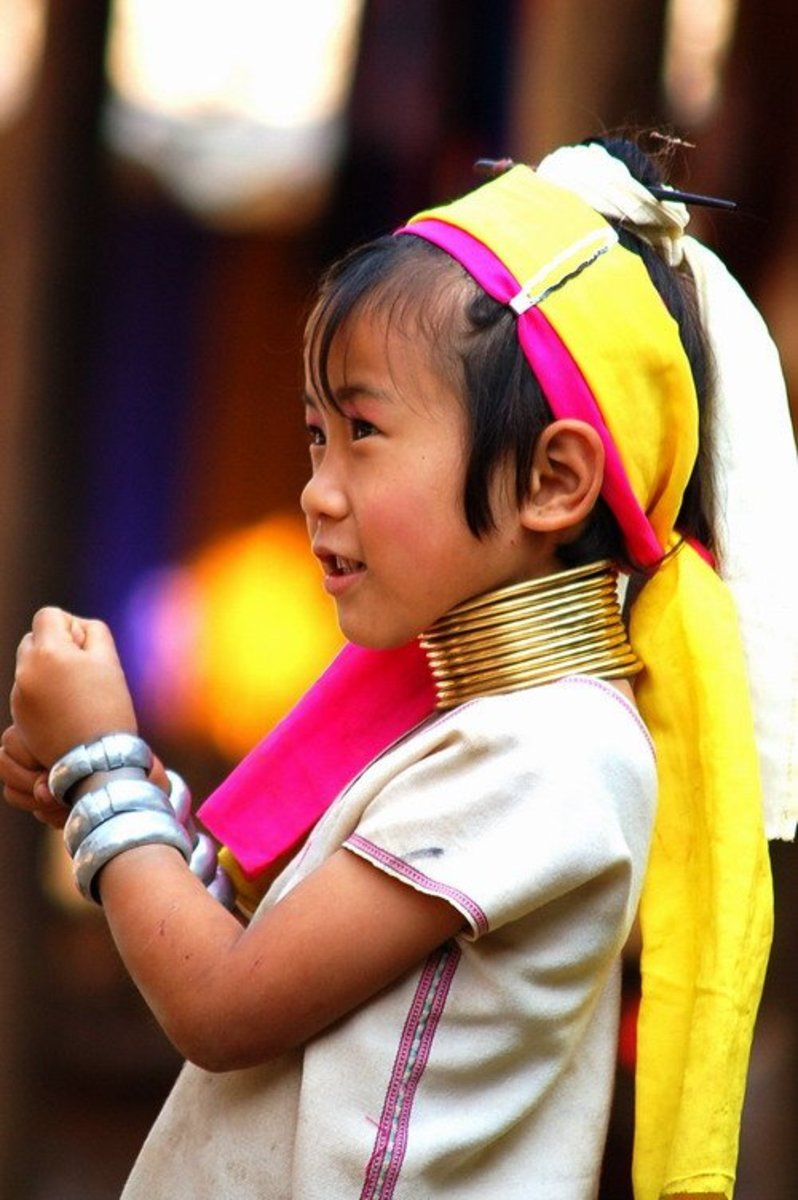 Young Girl With Neck Rings