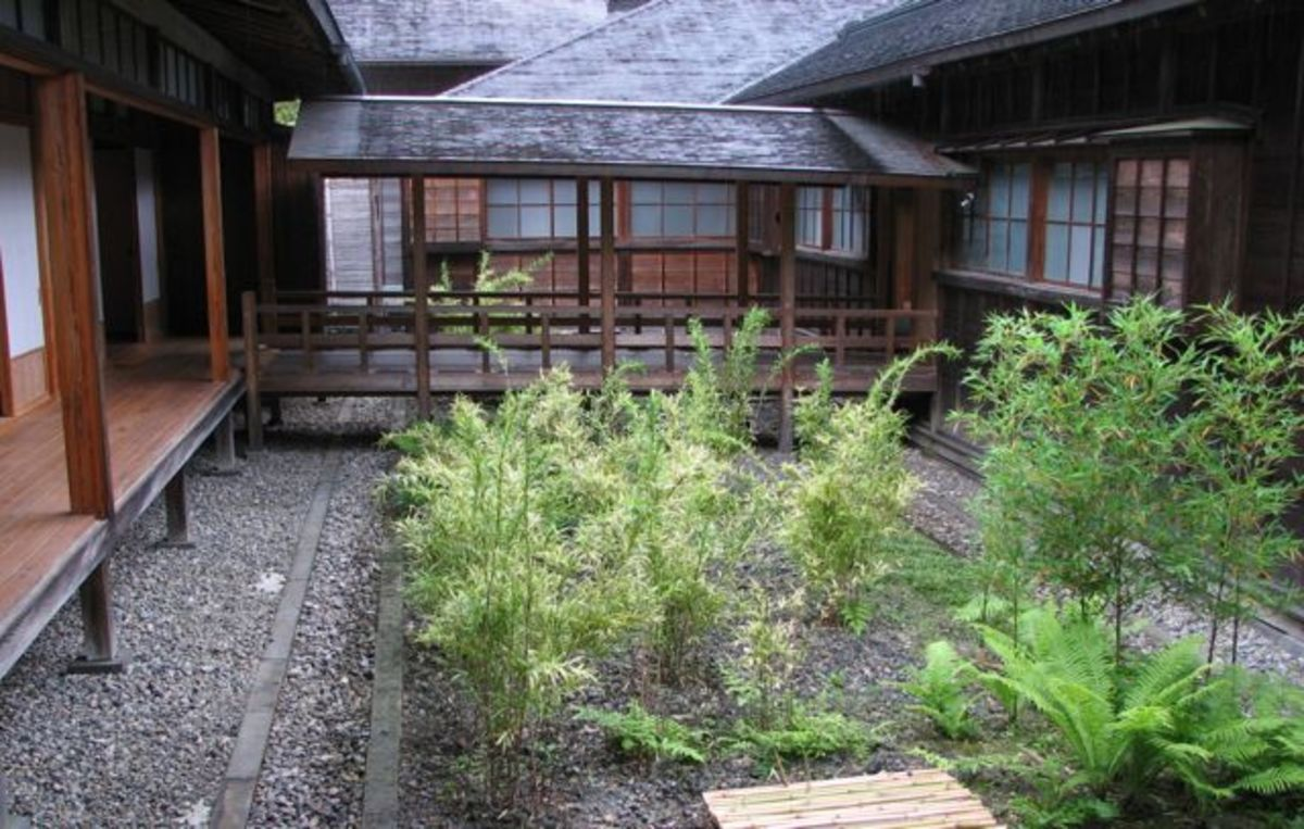 A courtyard garden at Tamozawa villa.