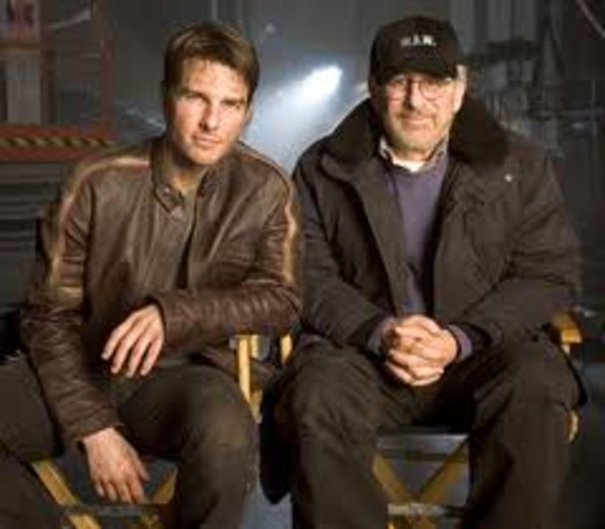 Tom Cruise and Steven Spielberg on the set of War of the Worlds
