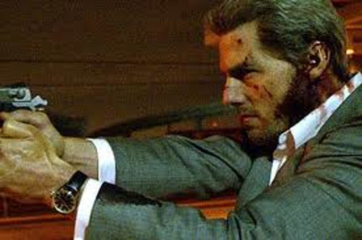 Tom Cruise as contract killer Vincent in Michael Mann's Collateral