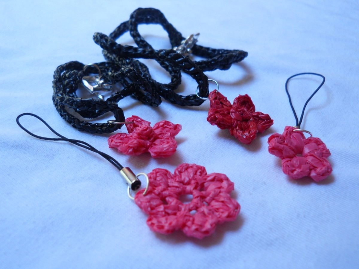 I used the puff flowers as cell phone charms.