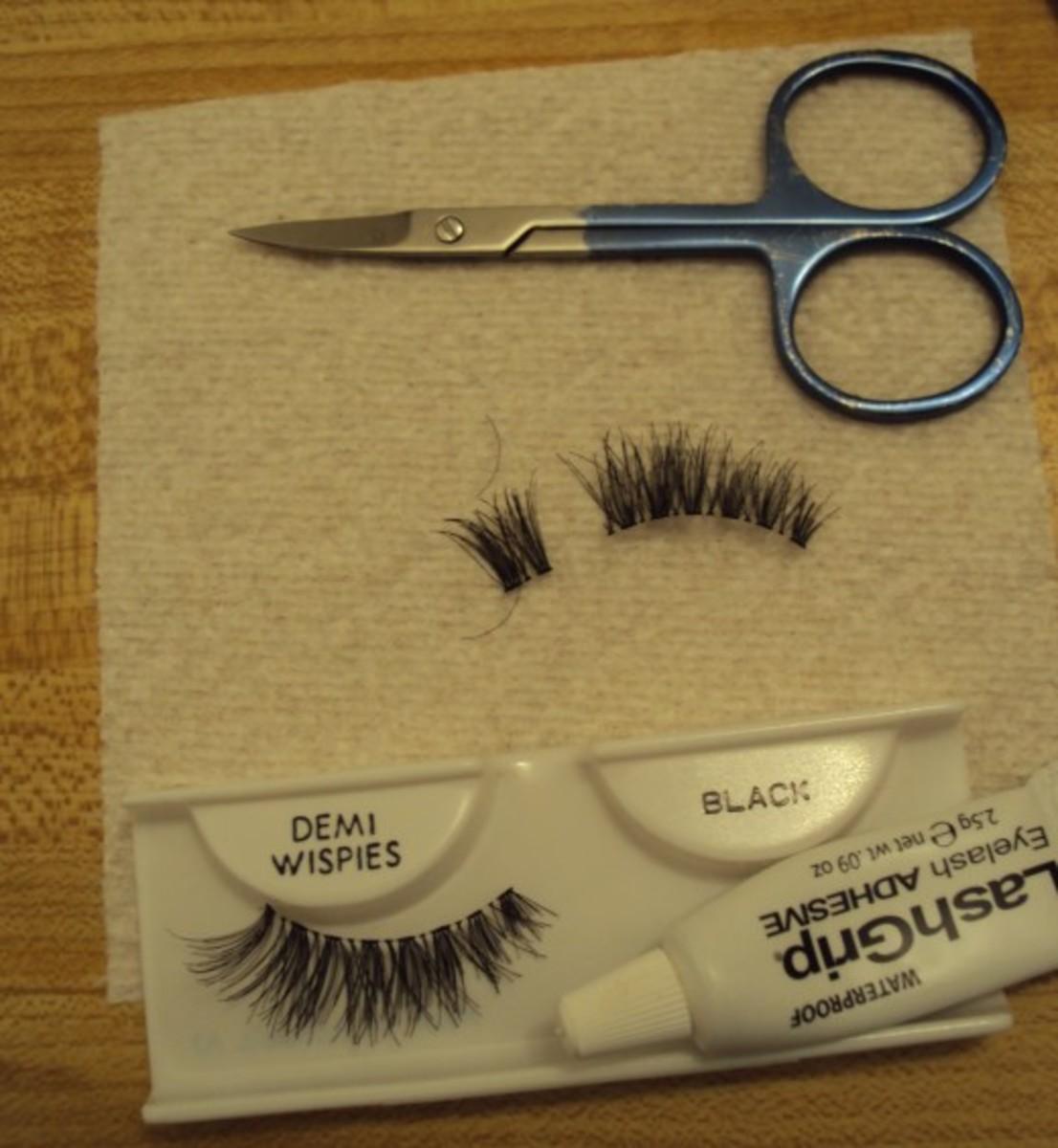 how-to-apply-false-eyelashes-like-a-pro