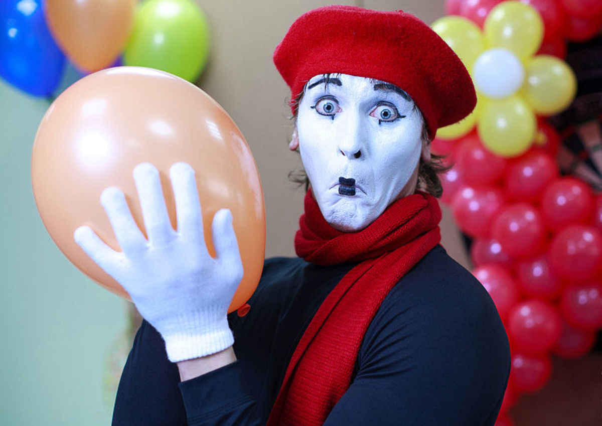 http://commons.wikimedia.org/wiki/File:Mime.jpg