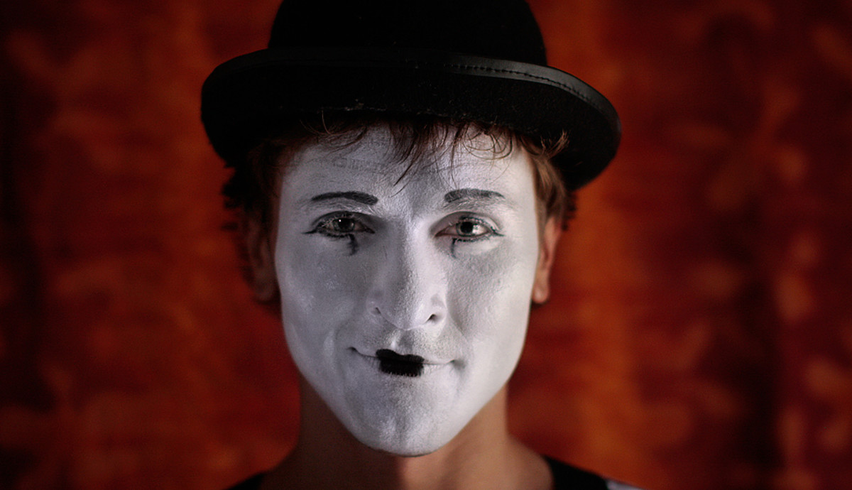 Photographing Mimes