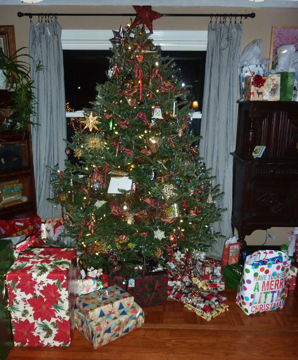 Decorate Christmas Tree Like Department Stores: How To Choose, Store, And Decorate A Live Cut Christmas