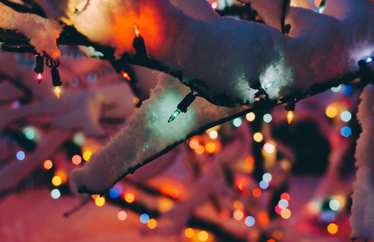 Christmas Poems, Verses, and One-Liners to Write in a Card