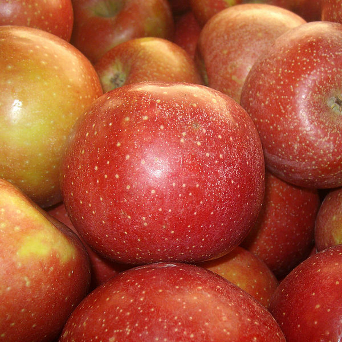 Health Benefits of Apples: A Healthy Heart and Weight Loss