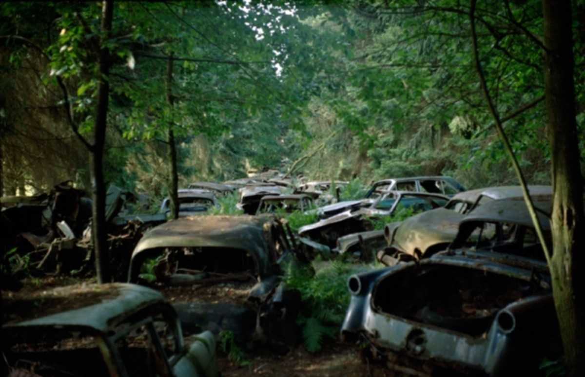 military-vehicle-junkyards-cemeteries-and-bone-yards-mothballed-armies-for-tanks-jeeps-trucks