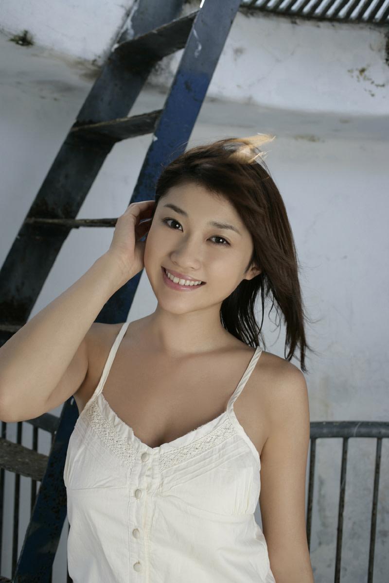 Beautiful Japanese Gravure Model And Actress Mikie Hara