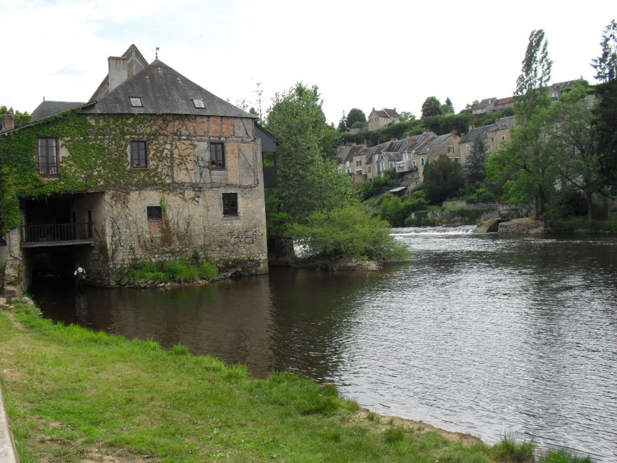 The Mills on the Creuse River:  From as early as the 13th century the Creuse River has served to power mills.:  From as early as the 13th century the Creuse River has served to power mills.