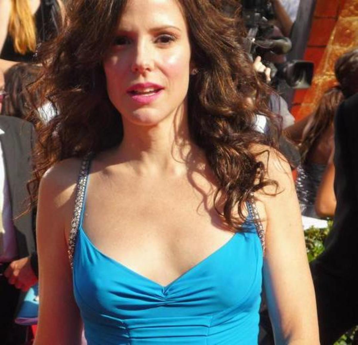 Mary-Louise Parker's fashion faux pas: wearing her long hair down at the 2008 Emmy Awards.