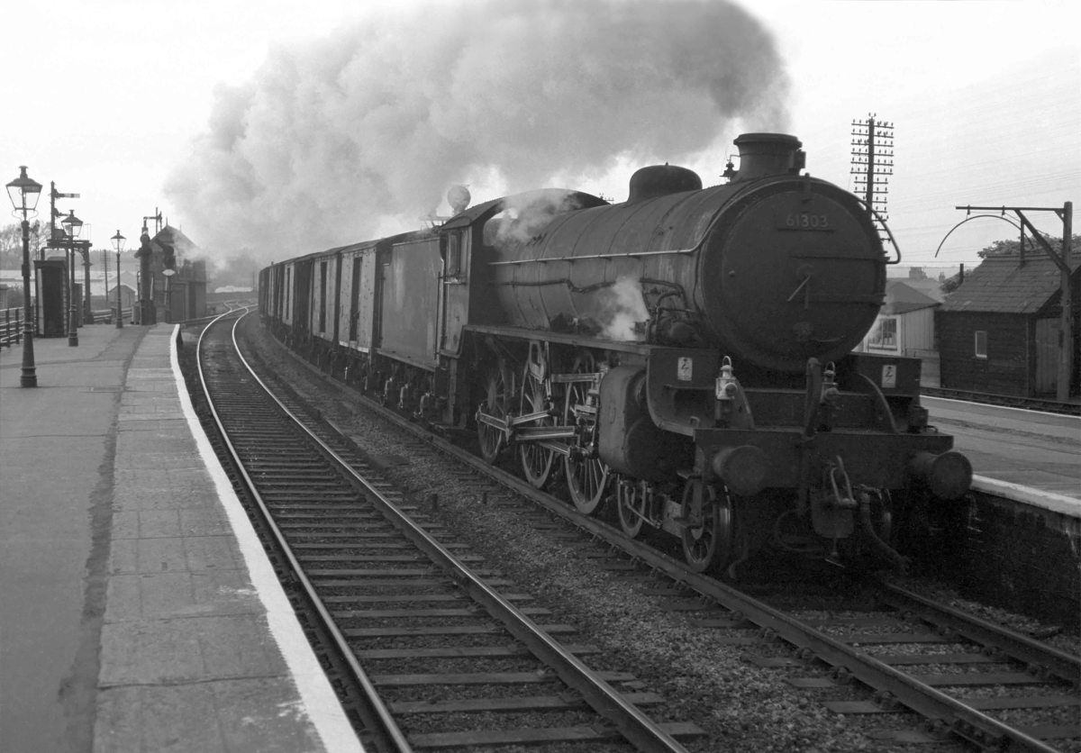 Unidentified ex-LNE B1 4-6-0 barks through Grantham on an up express freight from Hull to London (conveying not less than four fitted vehicles, and to run at maximum 35mph) - see lamp code, buffer beam left and centre