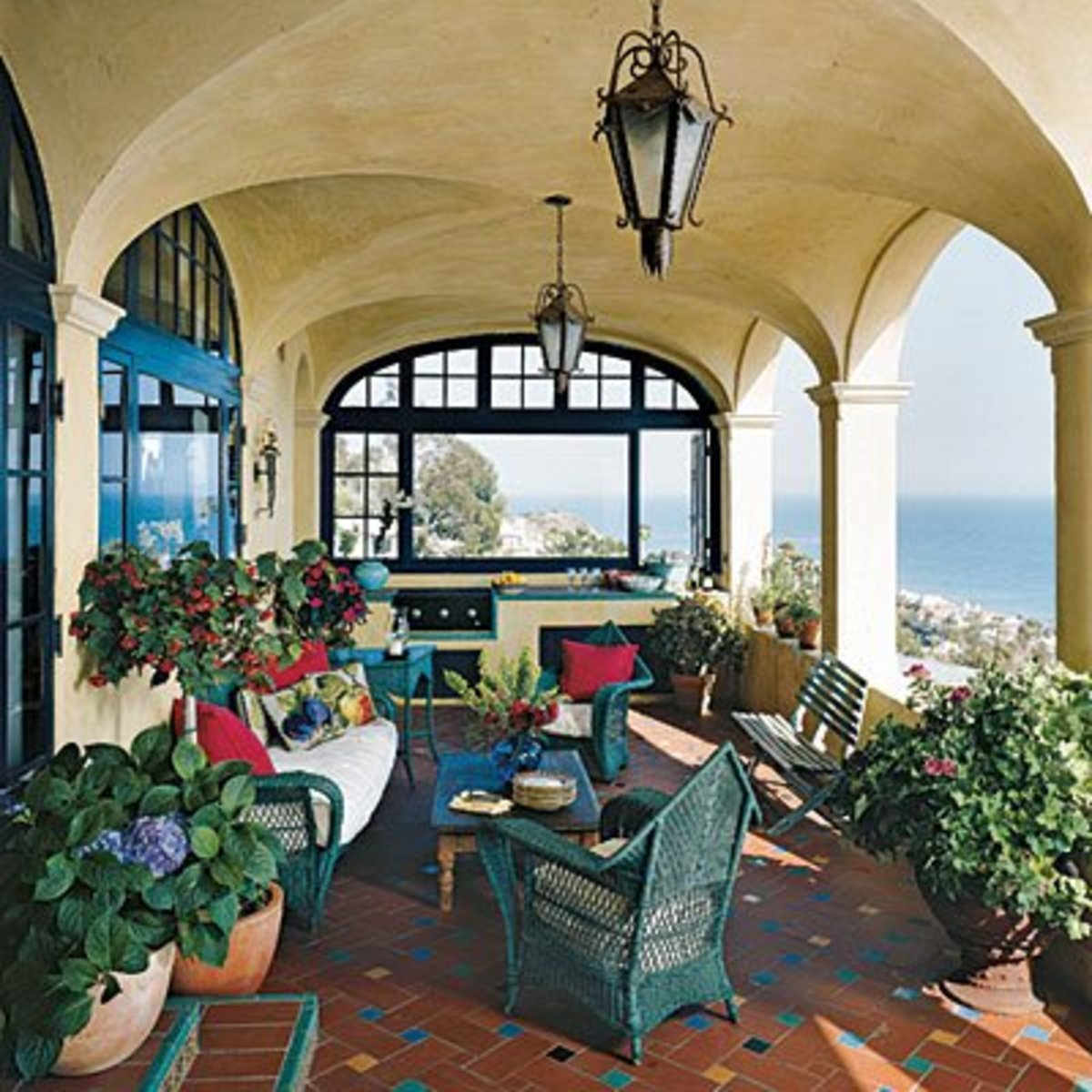 Mediterranean patios pergolas stucco terraces water for Spanish mediterranean decor