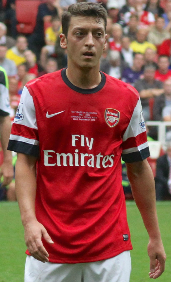 German footballer Mesmut Ozil plays for the English club Arsenal and for the German national team.