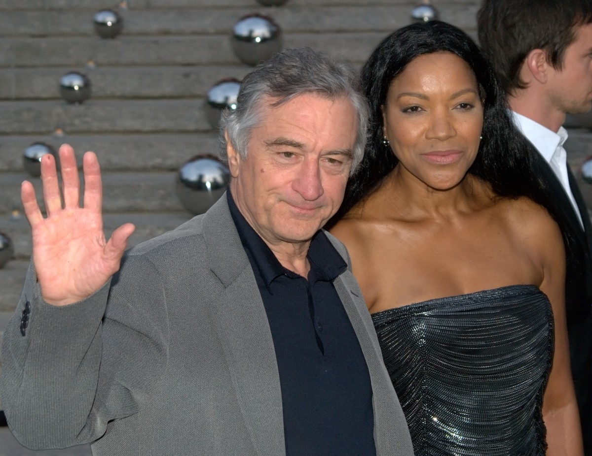 Robert DeNiro loves black women. Robert DeNiro and His Beautiful Black Wife  Grace Hightower.