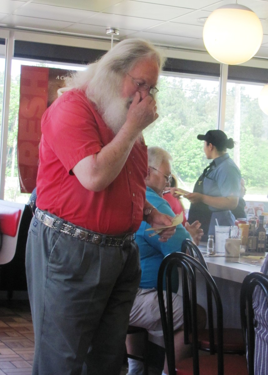 Santa can't even visit Waffle House without being photographed by the paparazzi.  The word on the street is that he is looking to retire and move to a warmer location.