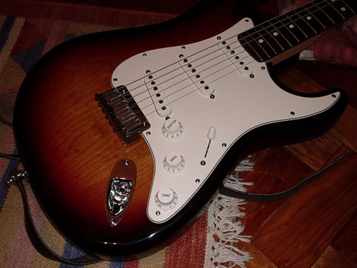2003 Fender American Standard Stratocaster with a 3-Color Sunburst body and rosewood fretboard (Photo by José Luís Agapito)