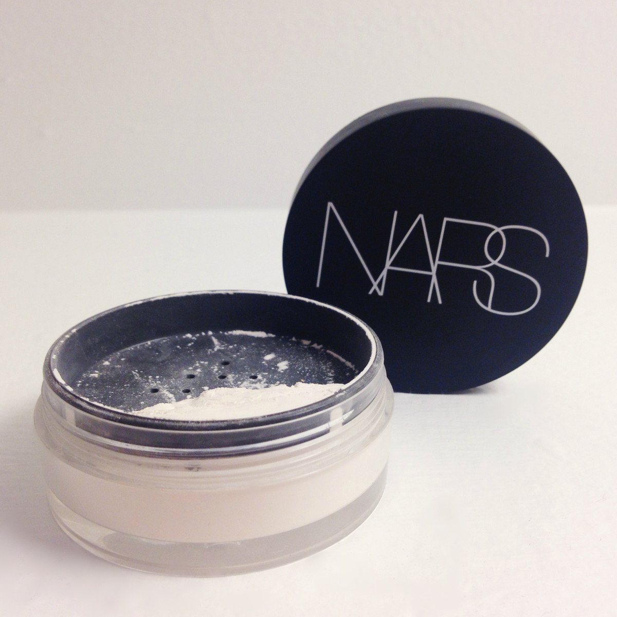 NARS Light Reflecting Loose Setting Powder is #1.