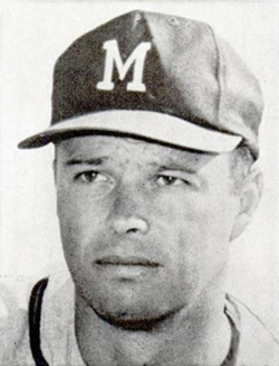Eddie Mathews hit 190 of his 512 career home runs before his 25th birthday.