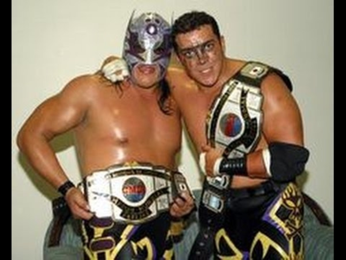 Ultimo Guerrero and Rey Bucanero
