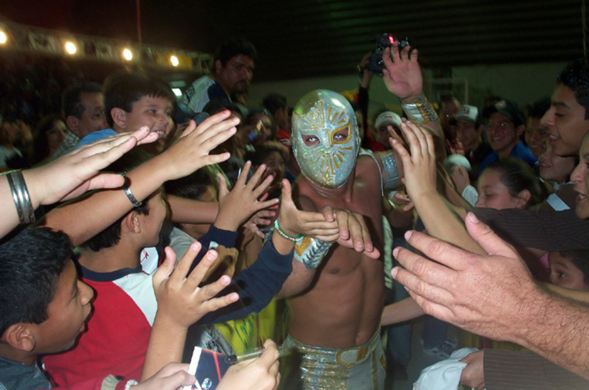 Mistico with his fans